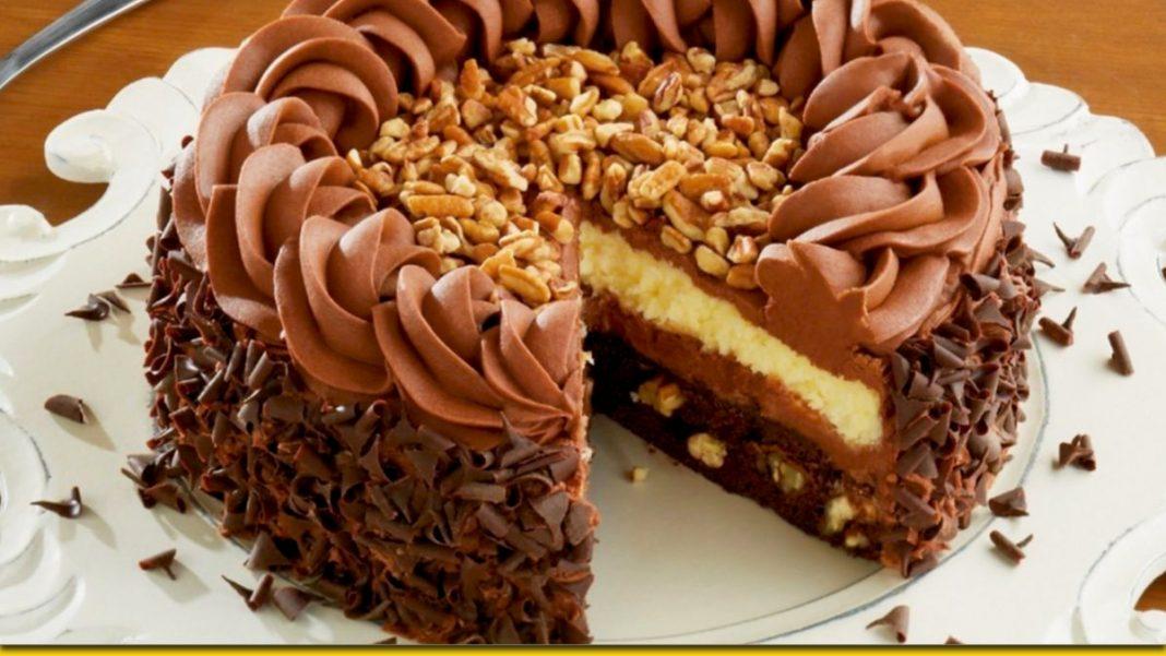 Домашній торт з арахісом — соковита випічка сім'ї на радість
