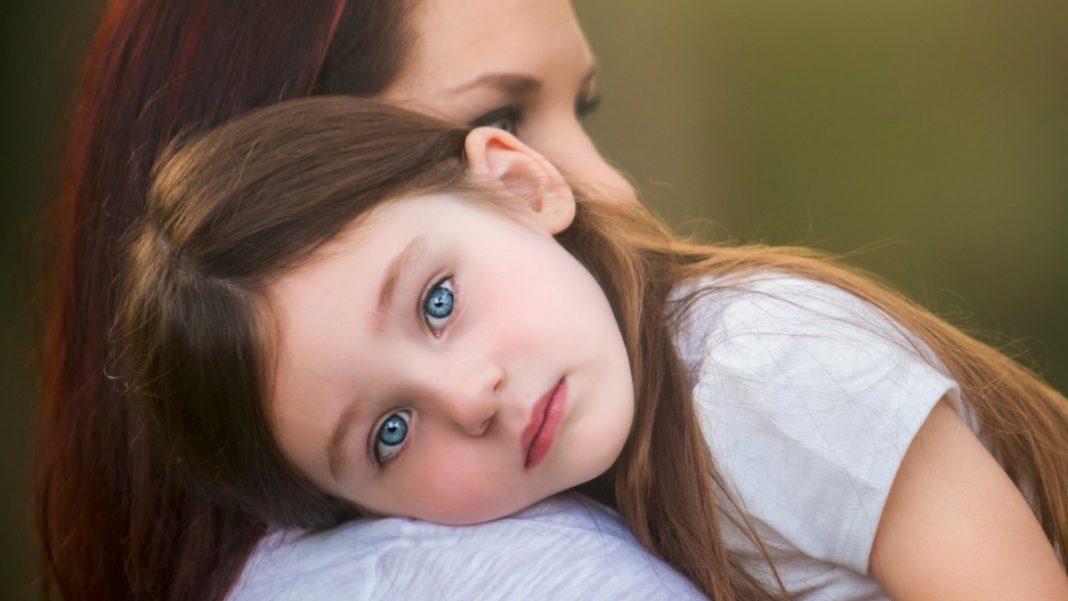 Про що потрібно встигнути розповісти дочці - важливі слова від мами