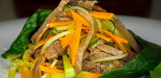 Пікантний салат з яловичим язиком — чудо корейської кухні