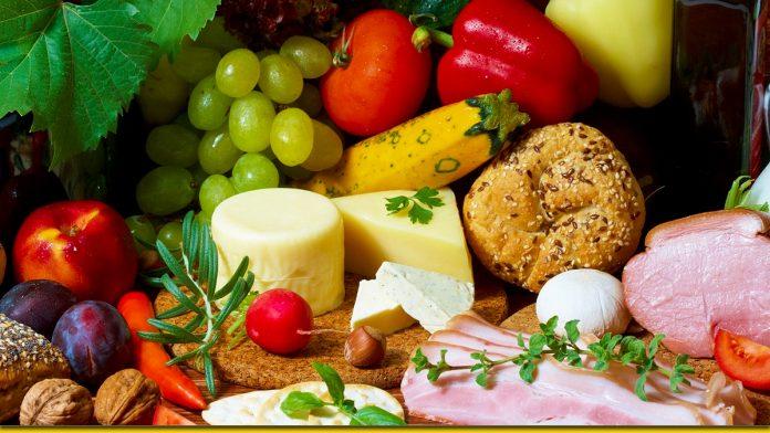 Зручна шпаргалка для господині на кухні — коли немає ваг