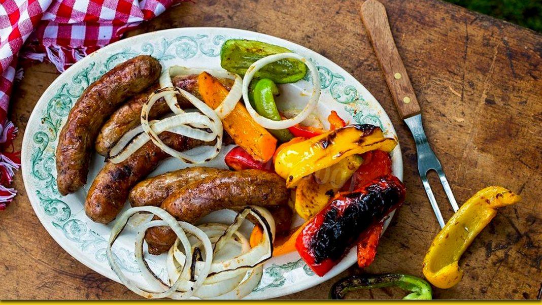 Картопляні ковбаски з сюрпризом — бенкет на весь світ