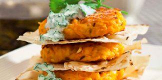Морквяні деруни — жовтогарячий настрій для сімейного сніданку