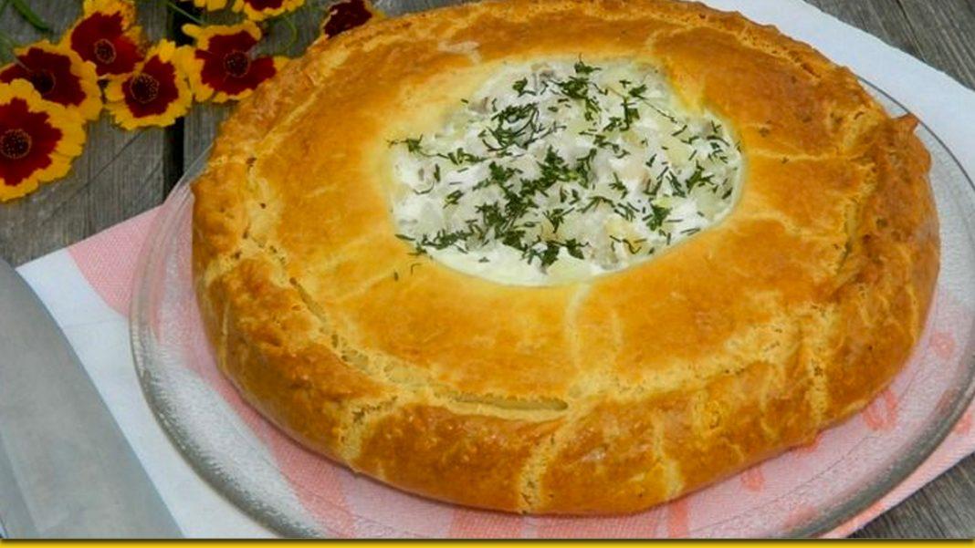 Курячий пиріг з шинкою в листковому тісті — король на столі