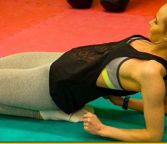 Правильна розтяжка ніг — ранкові вправи спеціально для дівчат